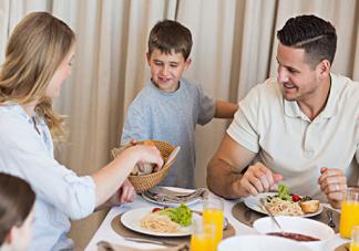孩子吃太饱长不高吗 为什么吃太饱长不高