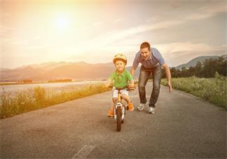 怎么教会孩子担当 如何引导孩子会承担错误