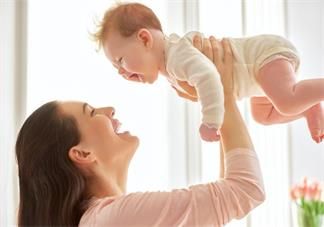 形容孩子赖床的心情说说带图 孩子赖床不起的心情朋友圈