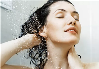 产后坐月子多久可以洗澡 坐月子洗澡要注意什么