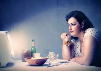 胃酸过多的症状有哪些 胃酸过多吃什么食物好