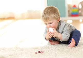孩子被眼睛戳伤后应该怎么办好 孩子眼睛被尖物戳伤正确处理方法