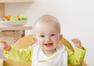 宝宝是先吃饭还是先喝奶 早餐着急吃饭怎么做