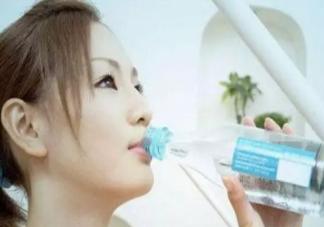 一天需要喝多少水才是健康的  水喝的越多越好吗