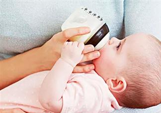 宝宝不喜欢奶瓶喂怎么办 宝宝不喜欢奶瓶喂养的原因