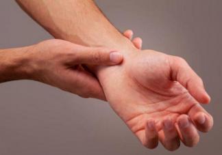 孕期手脚发麻是什么原因 孕期手脚发麻要怎么缓解