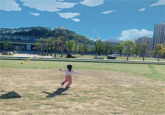 天气好放风筝的记录 放风筝说说朋友圈