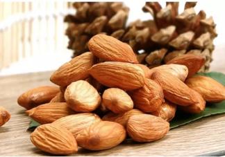 冬天吃坚果有什么好处 冬天适合吃什么零食