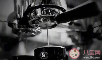 每天四杯咖啡可减轻糖尿病风险是真的吗 每天四杯咖啡可减轻糖尿病风险有何<a href=/tag/kexue/ target=_blank class=infotextkey>科学</a>依据