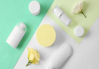 化妆前可以用爽肤水代替化妆水吗 怎么挑选合适自己的化妆水
