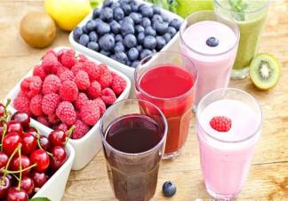 直接吃水果和榨果汁有什么区别 果汁会破坏水果的营养吗