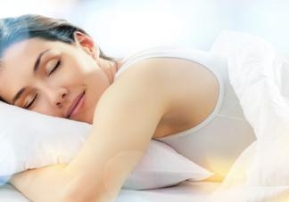 周末睡觉睡到自然醒的说说句子 周末睡觉睡到自然醒的句子心情