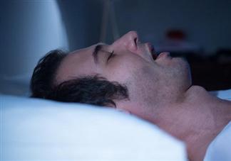 睡太久增加中风风险是怎么回事 睡太久为什么会中风风险高