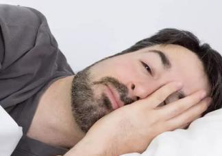 睡太久增加中风风险是真的吗 睡觉时间太长会有什么危害