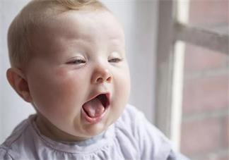 宝宝出现干呕是怎么回事 宝宝干呕是消化不良吗
