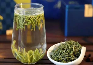 喝绿茶比红茶长寿是真的吗 经常喝茶的人和不喝茶的人有什么区别