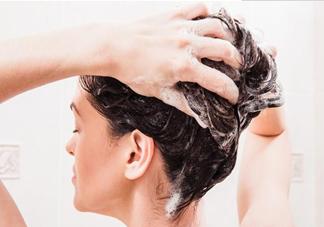 洗完头发是吹干还是自然风干好 湿头发睡觉有什么危害