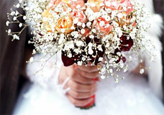2020年2月2日结婚了的朋友圈怎么发 2020年2月2日结婚了的幸福说说