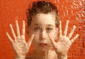 孩子进入人际交往敏感期有什么表现 人际交往敏感期的重要作用是什么