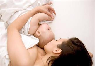 宝宝玩累了就会想睡觉了吗 宝宝晚上不想睡觉要去玩怎么办