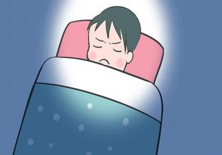 晚上睡觉说梦话是什么原因 睡觉说梦话需要治疗