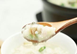皮蛋瘦肉粥的正确做法是什么 皮蛋瘦肉粥什么时候放皮蛋