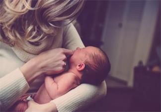 解冻后的母乳分层正常吗 怎么解冻母乳不会破坏营养