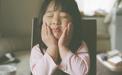 孩子性格是遗传爸爸还是妈妈 孩子性格是先天还是后天培养的