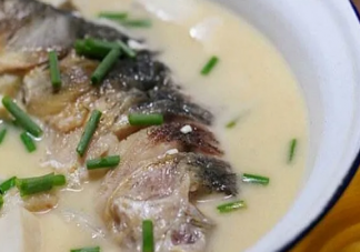 宝妈奶水少能喝鱼汤吗  哺乳期有必要天天喝鱼汤吗