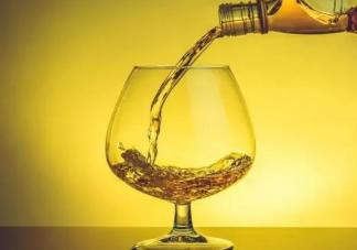 长时间喝白酒可以抗癌护血管吗 每天喝一点白酒对身体好吗