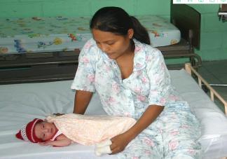 产妇坐月子怎么护理最舒服 产妇坐月子要护理好哪几个地方