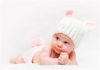 宝宝蜕皮是怎么回事 新生宝宝蜕皮正常吗