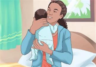 竖抱过早宝宝会怎么样 竖抱宝宝会伤宝宝脊椎吗