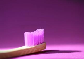 牙刷多久更换一次比较好 怎么挑选适合自的牙刷
