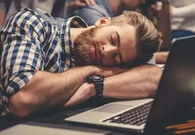 午休完浑身无力没精神怎么办 午休快速恢复精力的方法