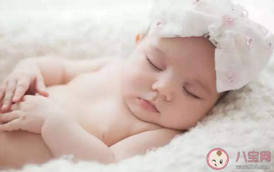 一个月宝宝父母需要了解哪些知识 爸妈需要知道的新生儿知识