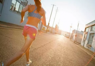 夏天跑步会中暑吗 夏天怎么样跑步避免中暑