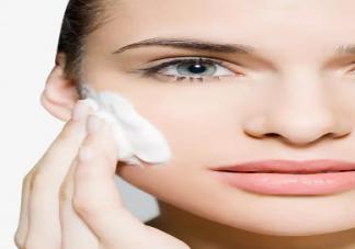 不同肤质怎么挑选洗面奶 洗面奶怎么挑适合自己的