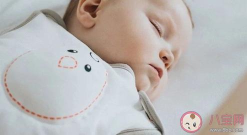 自主入睡的宝宝不容易夜醒吗 睡眠训练就是自主入睡吗