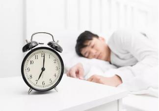 打乱生物钟有什么危害 怎么调整生物钟健康睡觉