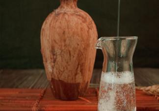 老人尿酸高能不能喝酒 尿酸高可以喝什么酒