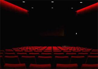 真的好想要去看电影的朋友圈说说 太想去看电影了发朋友圈句子