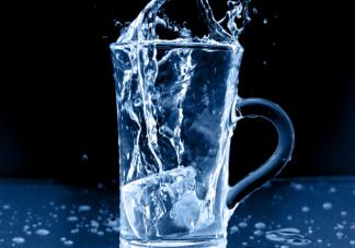 经常喝冰水对身体真的不好吗 什么时候不能喝冰水