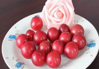 李子是热性水果还是凉性水果 吃李子有什么好处。