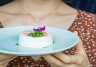 吃甜食容易得霉菌性阴道炎吗 霉菌性阴道炎跟吃甜食有关吗