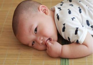 孩子什么情况下出汗不正常 孩子夜间爱出汗正常吗