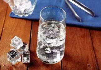 夏天喝冰水对身体的害处有哪些 天喝冰水会加重湿气吗