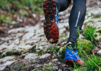 越野跑鞋可以跑马拉松吗 越野跑鞋可以当徒步鞋穿吗