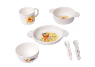 宝宝吃饭用的硅胶餐具安全吗 在给宝宝选购餐具时要注意什么