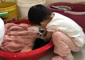表扬孩子第一次洗衣服感慨句子 关于宝宝第一次洗衣服心情说说。
